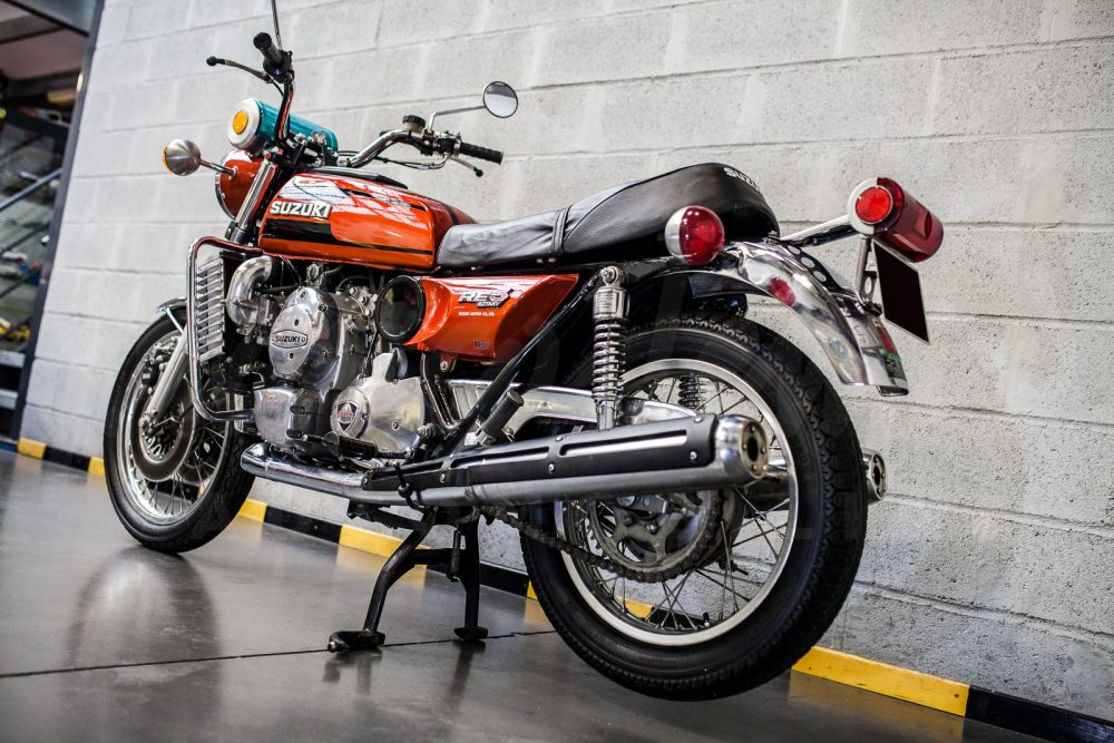 Suzuki RE 05