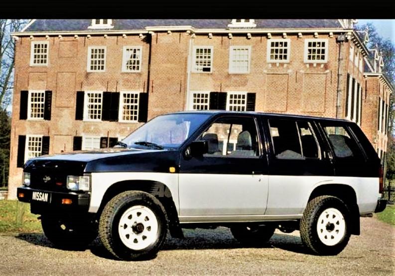 Nissan Terrano quattro porte