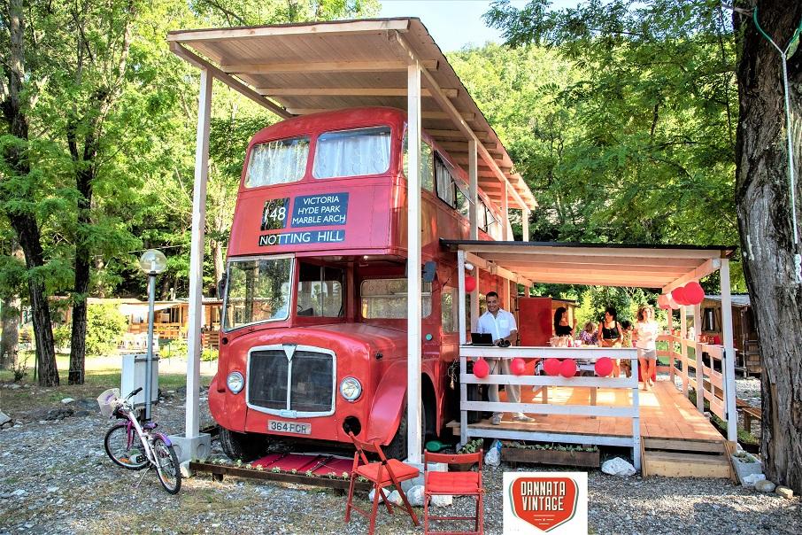 Il London Bus di Bob e un felicissimo Roberto.