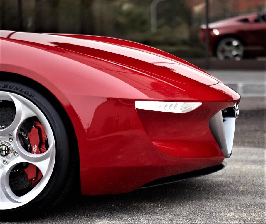 Alfa Romeo 2uettottanta, uno dei frontali più belli che io ricordi negli ultimi anni.