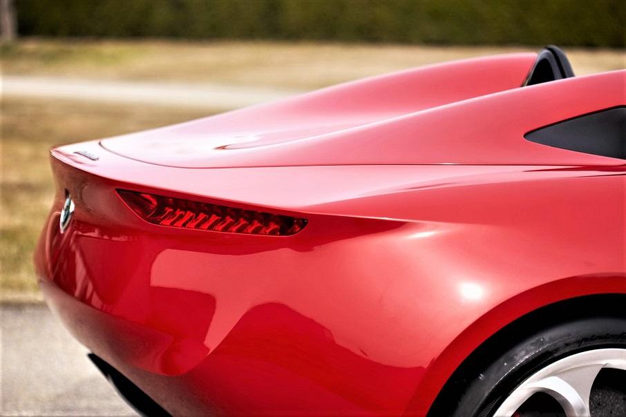 """Alfa Romeo 2uettottanta, con la sua """"coda"""" che a me ricorda molto un altro prototipo, ovviamente rivisto in chiave moderna."""