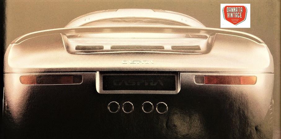 Jiotto Caspita, il cofano posteriore, dove era alloggiato il poderoso motore tutto italiano.