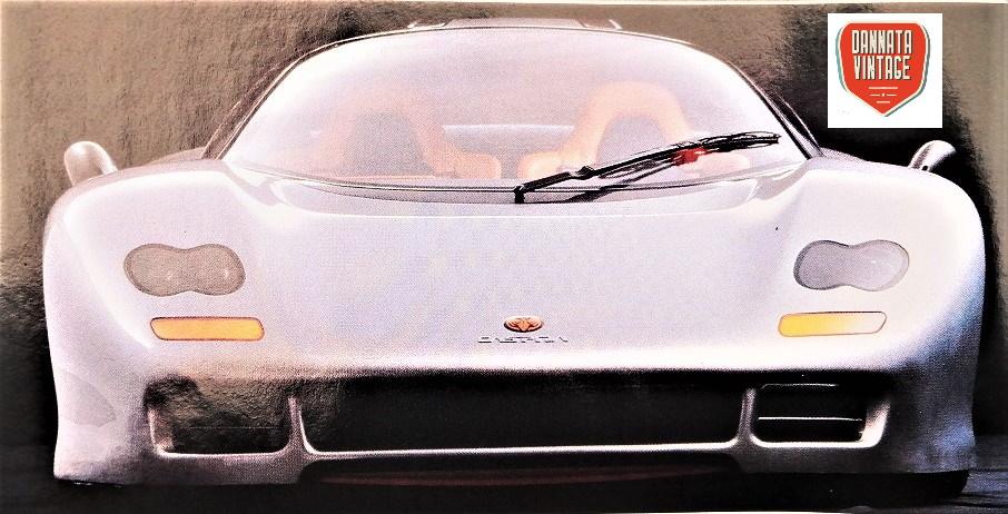 Jiotto Caspita, il frontale con un ampio cofano, il motore era montato posteriormente.