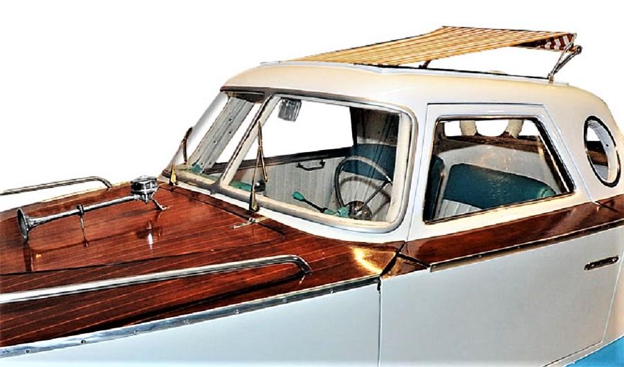 Fiat 1100 Boat Car Elegantissima quella tendina parasole regolabile e chiudibile.
