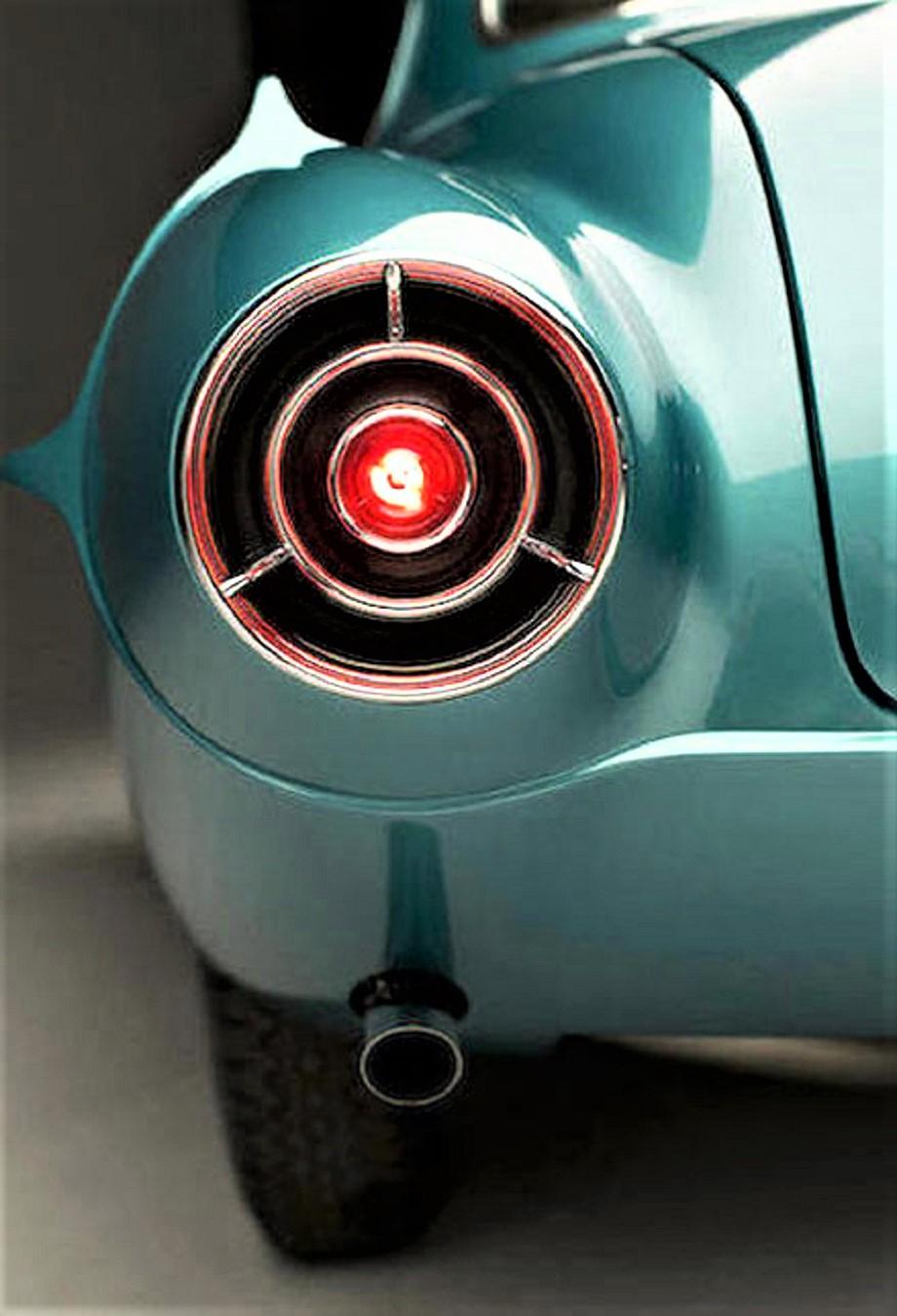 Fiat 8V Supersonic I suoi fanali posteriori sono una delle prime cose ad avermi colpito.