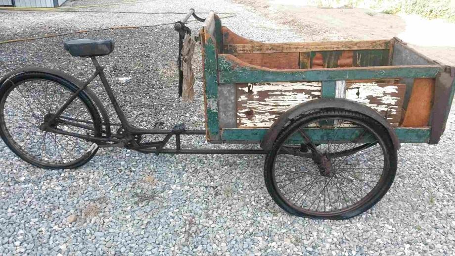 Le biciclette della mia gioventù, c'erano anche quelle per le consegne, non era difficile vederne.