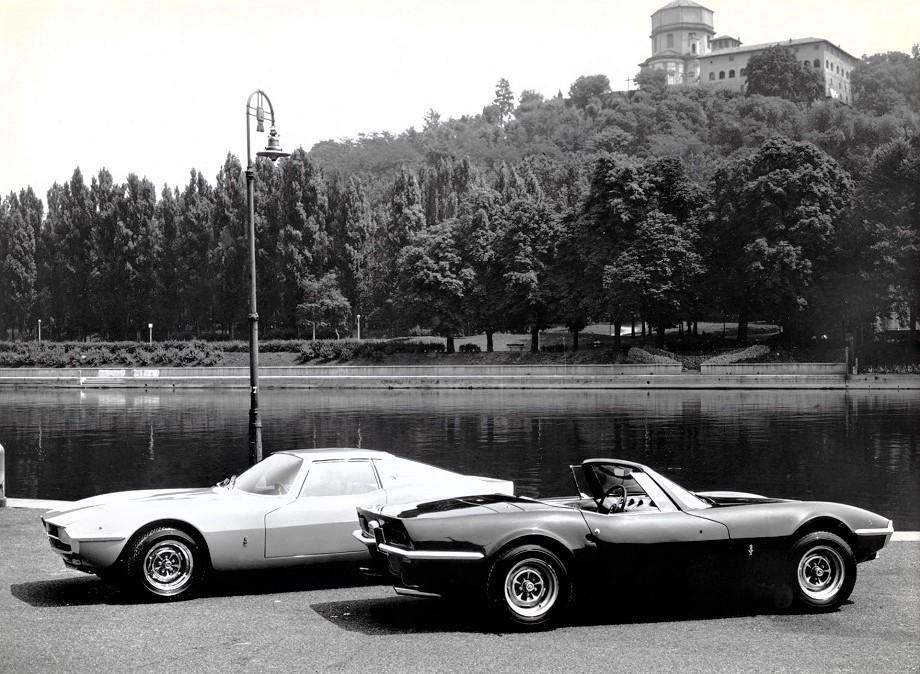 LMX Sirex La cabrio e la coupè in una foto dell'epoca.