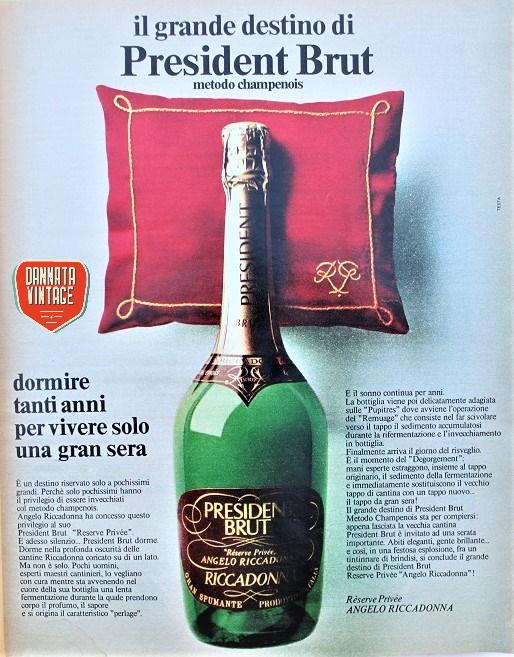 Pubblicità vintage, una bottiglia ;) messa bella comoda.