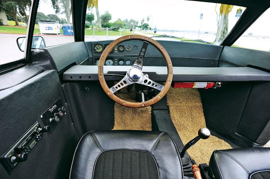 Brubaker Box, mancando la portiera lato guida ci potevi montare una radio.