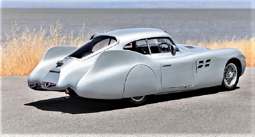Cisitalia Aerodinamica Savonuzzi forse manca un po in continuità fra l'anteriore e il posteriore.