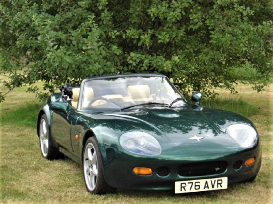 Marcos piccole case inglesi La GTS Motore Rover due litri, lo stesso delle 200 e 800 in versione turbo e non turbo, forse una di quelle meglio rifinite.