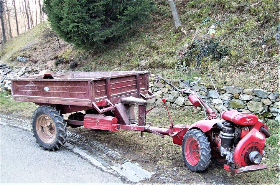 Moto Guzzi agricoltura ed un motocoltivatore.
