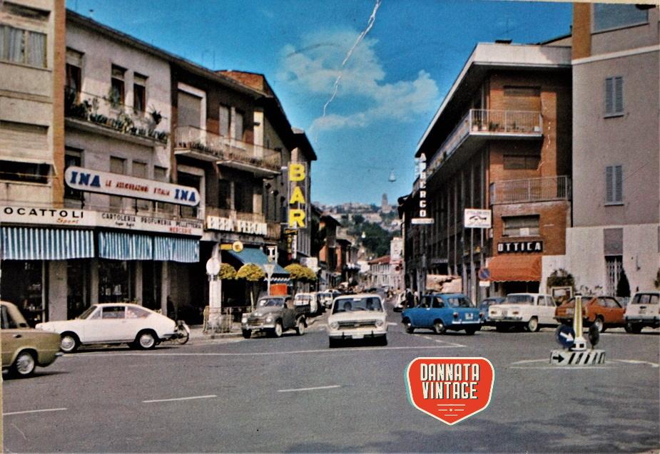 Pubblicità e cartoline vintage Chiusi Scalo, Via da VInci 19.03.1977.