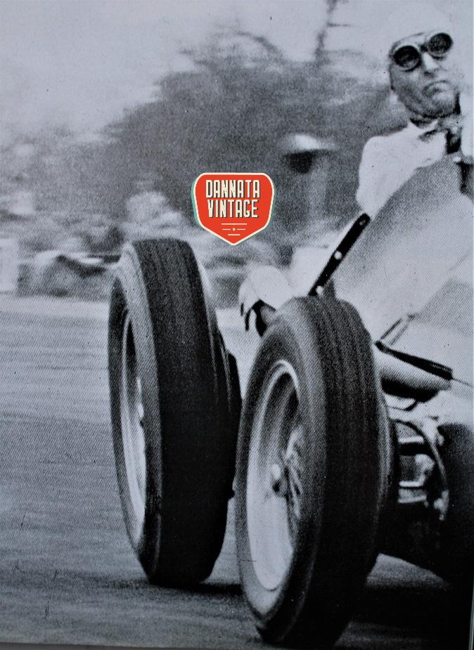 Alfa Romeo Alfetta Farina con la sua 158 durante il GP d'Inghilterra del 1950.