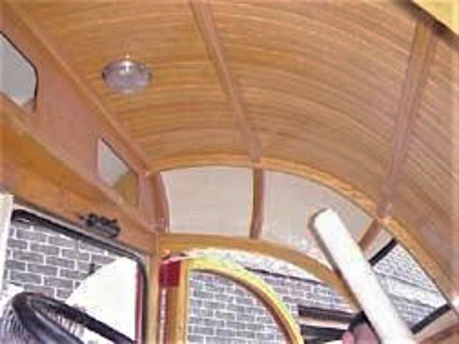 Labatt's Beer Aero Interni indubbiamente molto curati, il soffitto tutto rifinito in legno.