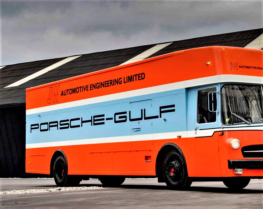 Mercedes 0317 Van Gulf Transporter