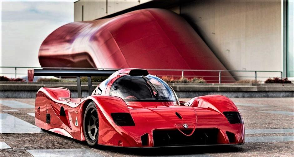 Alfa Romeo Sport Prototipi Talmente fatta bene che sembra un'auto molto più recente.