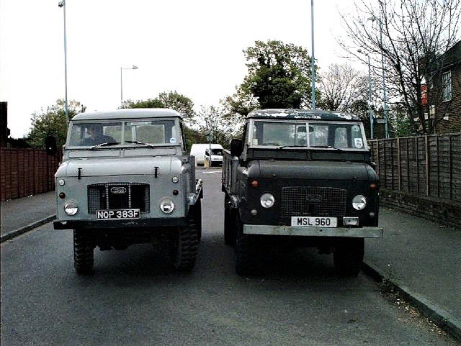 Land Rover Forward Control La seconda serie con i due modelli IIa e IIb riconoscibili subito per la posizione dei fanali all'anteriore.