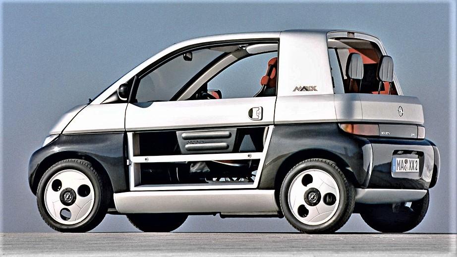 Opel MAXX In evidenza la struttura delle porte in allumino come tutto il resto della vettura.