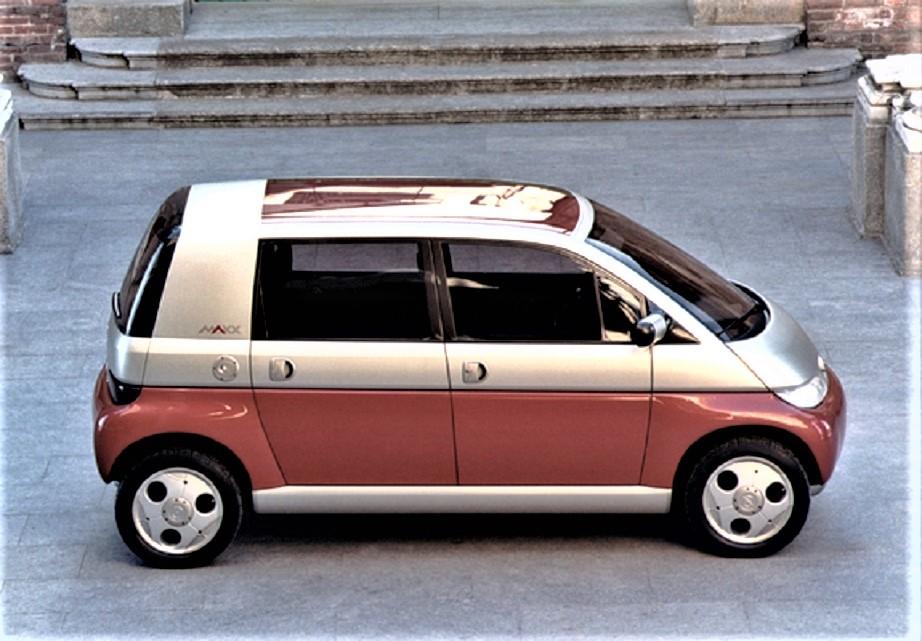 Opel MAXX La versione con il telaio allungato, da quattro posti sufficientemente comodi.