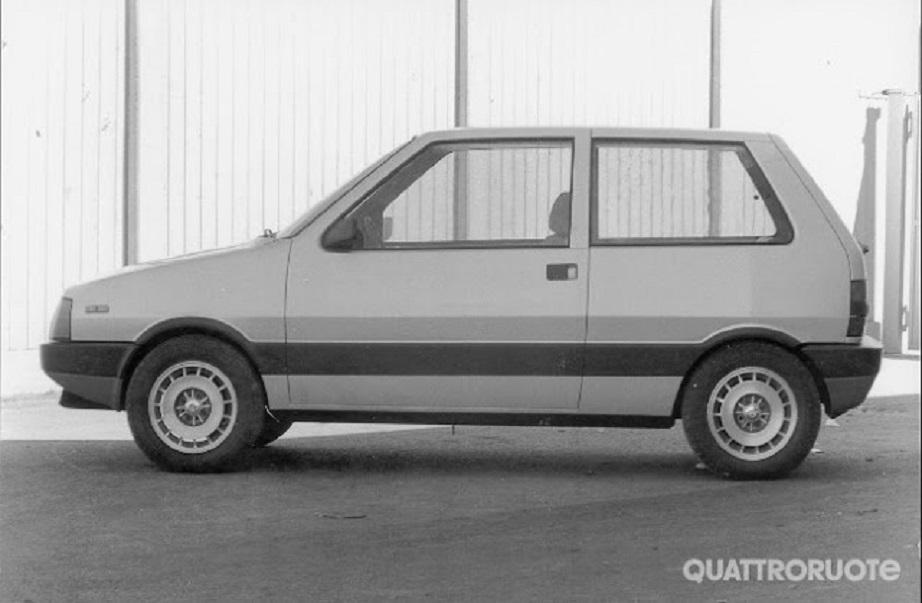 Lancia UNO Esteticamente erano obbiettivamente identiche.