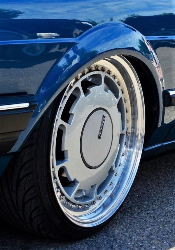 Cerchi in lega vintage I Pirelli P Slot, li abbiamo visti montati su molte auto di case diverse, negli anni 90.
