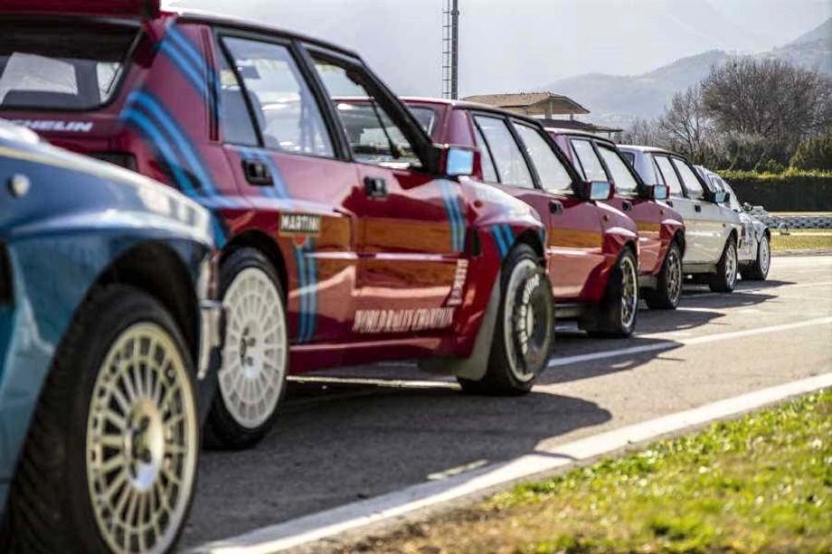 Cerchi in lega vintage La Lancia Delta Integrale, che abbiamo visto con cerchi diversi, ma io ne ricorderei due modelli su tutti.