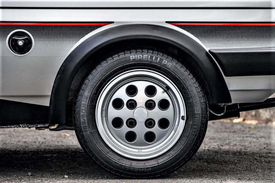 Cerchi in lega vintage Ford Fiesta XR2 MKI.