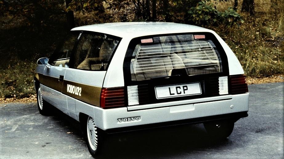 Volvo LCP 2000 Il portellone posteriore in plastica che era anche una portiera.