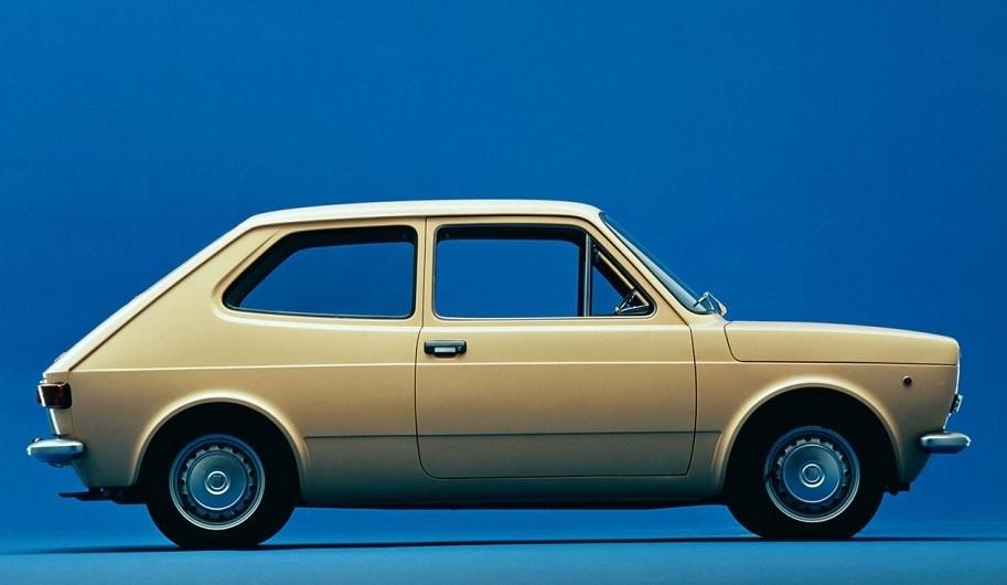 Lancia UNO La Fiat 127 uno dei modelli fra i più diffusi di sempre in casa Fiat.