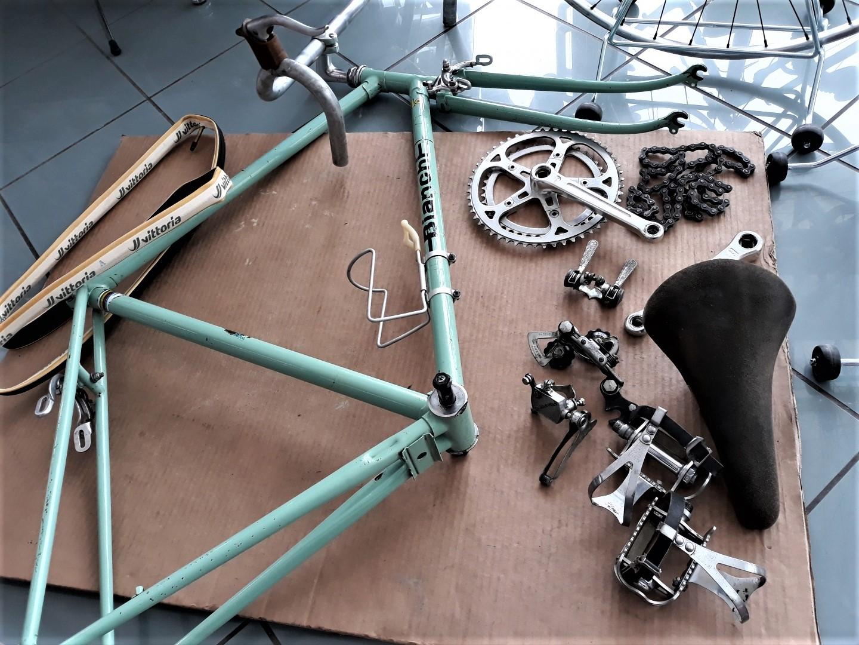 Le biciclette Bianchi Quella che avevo lasciata nella cantina dei miei era nelle stesse condizioni.