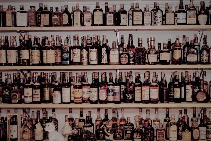 Quotazioni La collezione di liquori un caro zio ne ha una con alcuni pezzi piuttosto pregiati.