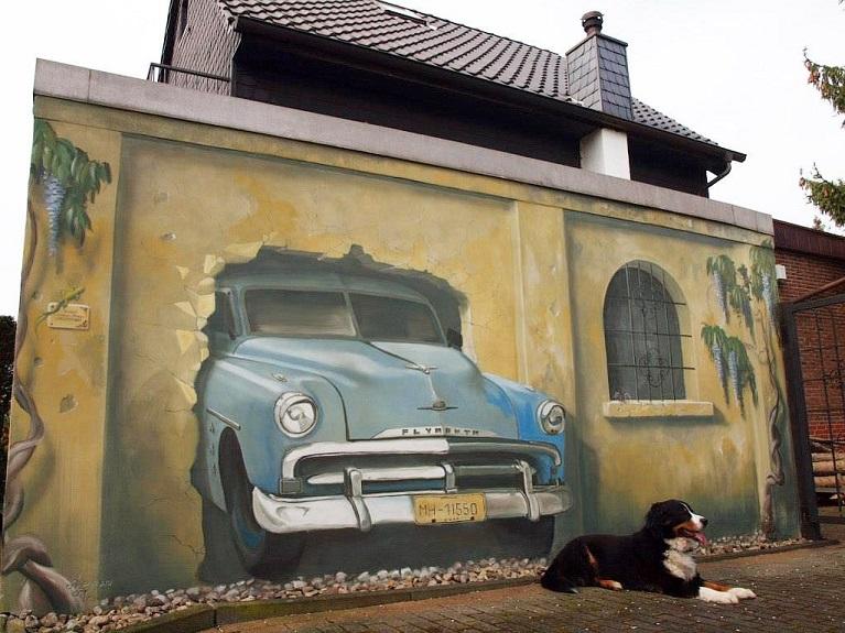 Auto e street art Arte di strada a Mülheim, Germania.