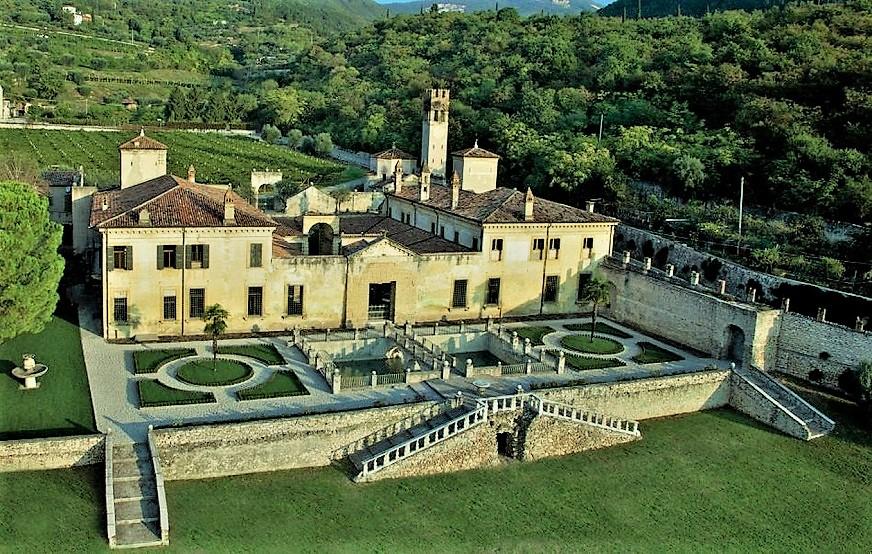 Amarone, le cantine e ville Palladiane Villa della Torre (Allegrini)