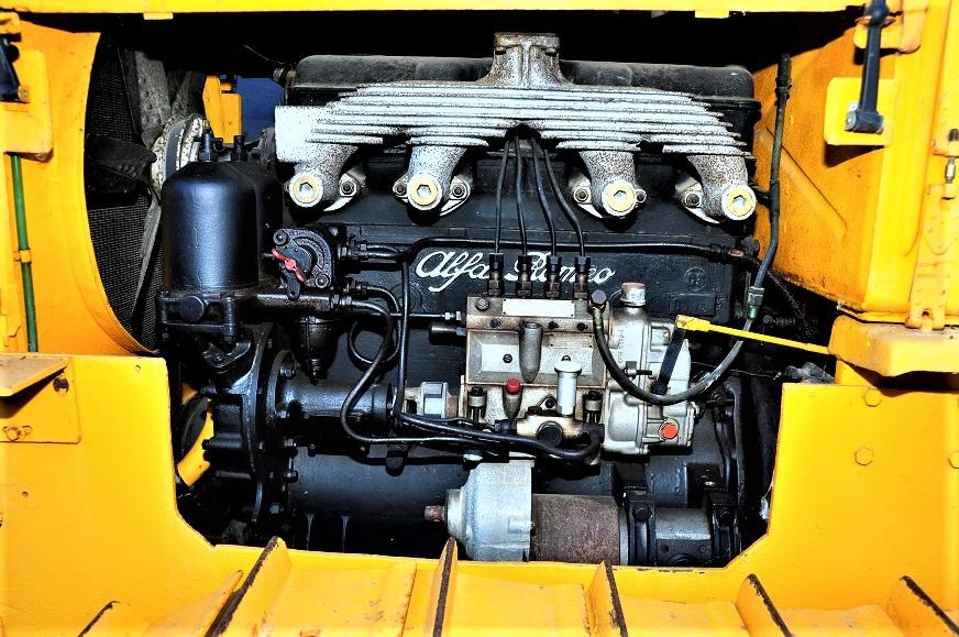 Ansaldo Fossati TCA 70 In evidenza il motore diesel Alfa Romeo.