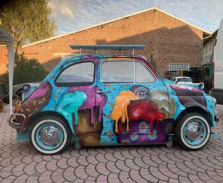 Auto e street art La Street Art di Hello Marte.