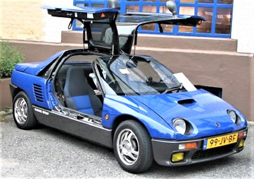 Mazda Autozam AZ 1 Azzurro, il secondo colore disponibile.
