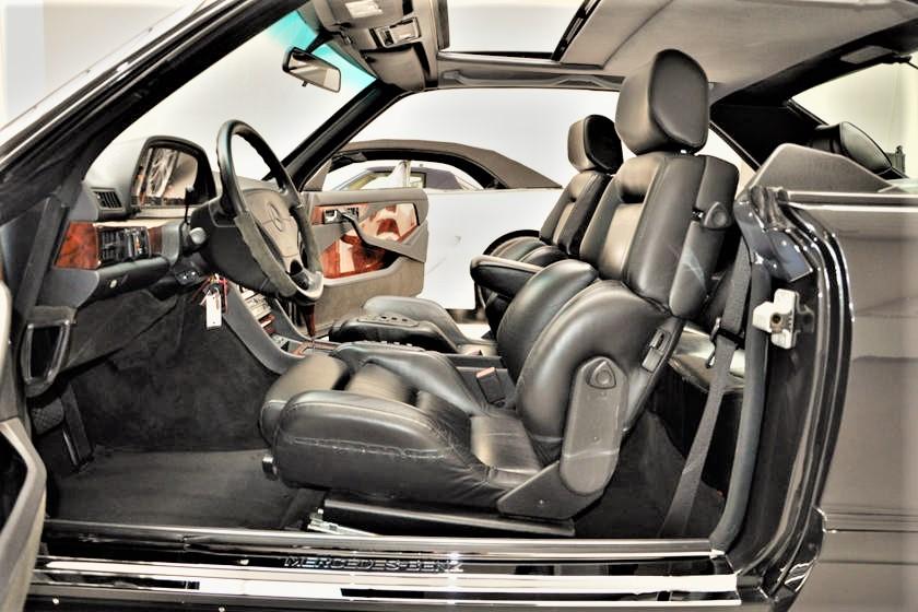 Mercedes 560 SEC AMG Recaro questi sportivissimi sedili in pelle.