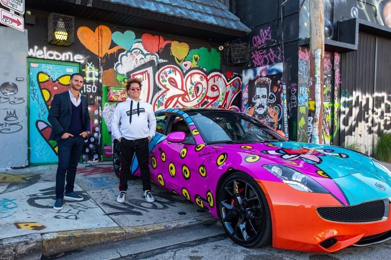 Auto e street art Karma Miami e Karma Automotive di Prestige Imports hanno collaborato con l'artista di fama mondiale Romero Britto per creare un Karma Revero 2019 unico nel suo genere