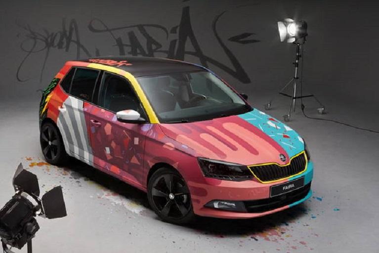 "Auto e street art Armando Gomes e la ""sua"" Skoda Fabia."
