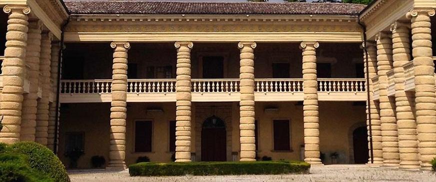 Amarone, le cantine e ville Palladiane Santa Sofia.