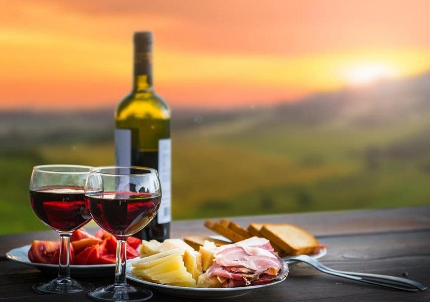 Amarone, le cantine e ville Palladiane Il buon bere e poter mettere qualcosa sotto i denti, scegliendo sempre prodotti del posto e con una buona qualità.