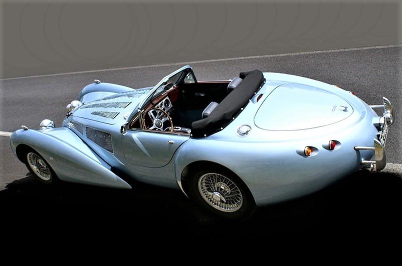 """Devaux Coupe 2001, Forse forse i fanali posteriori sono la parte meno """"indovinata"""" di questa auto, non mi convincono."""