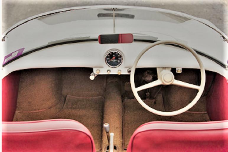 Goggomobil Dart Un cruscotto sicuramente essenziale ma che mi piace specie considerando il tipo di auto.