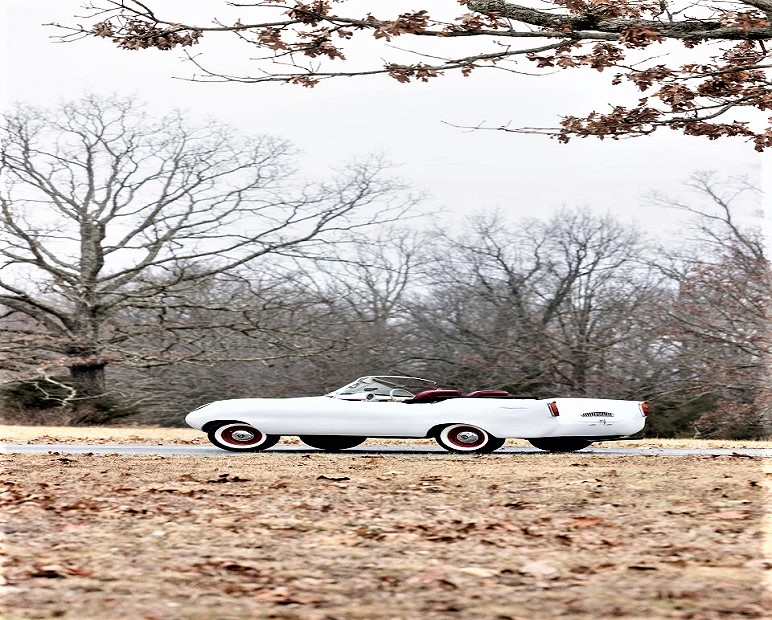 Goggomobil Dart Bianca, un colore si molto neutro specie considerando le altre colorazioni disponibili, con alcune bicolore.