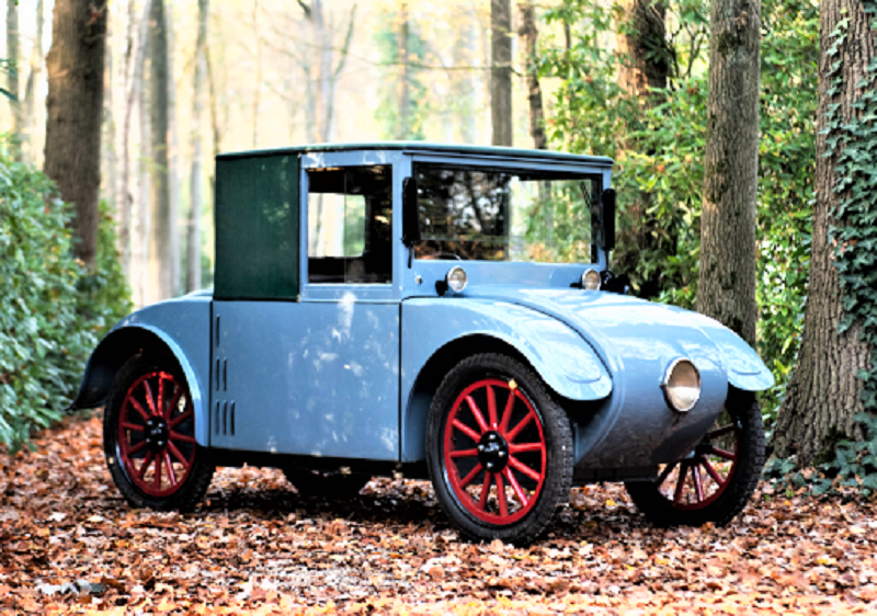 "Hanomag Kommissbrot Korbwagen (1928) L'auto ""originale"" quella dalla quale derivò."