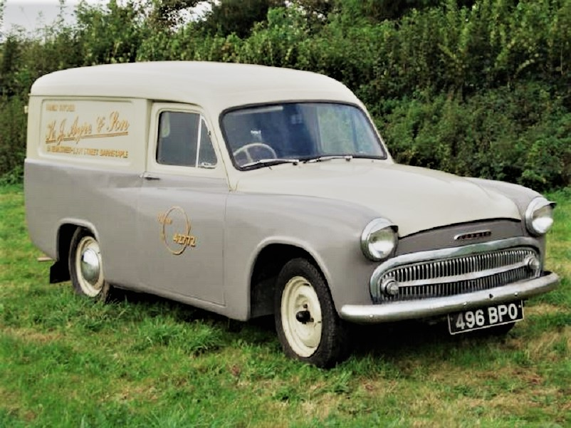 Mezzi commerciali Commer Express Delivery Van, questo l'esemplare venduto in un'asta Bonhams.