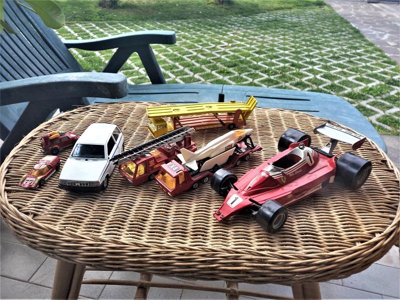Modellini ed aste La Ferrari è da sistemare, ma avendoci spesi soli 10 Euro tutto sommato.......