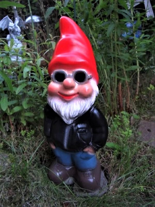Nani da giardino Simpatico, seppur sarei ;) titubante.