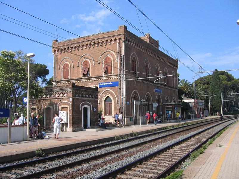 Stazioni ferroviarie dismesse Stazione di Castiglioncello LINK.